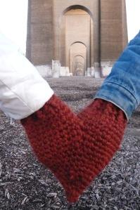 2 Handed Valentine's Day Mitten